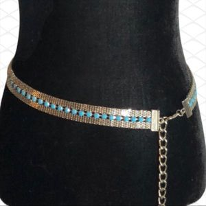 NWOT! Retro style Silver chunky chain belt